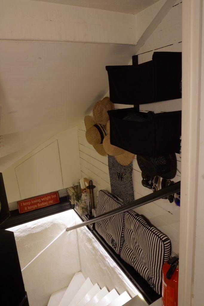 Trappbelysning med LED-list med rörelsesensor