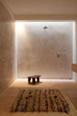 Badrumsbelysning - allt annat än trist. Med Led-lister finns kreativa möjligheter.